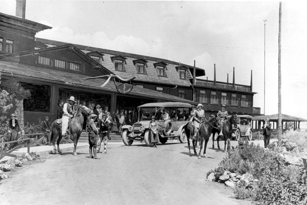 old black and white hotel photo